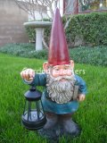 picture of GNOME WITH SOLAR LANTERN